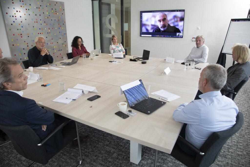 Foto van de dialoogtafel over aardwarmte